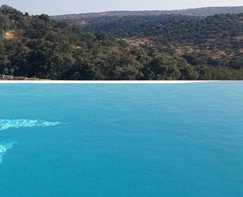 The secret of an infinity pool