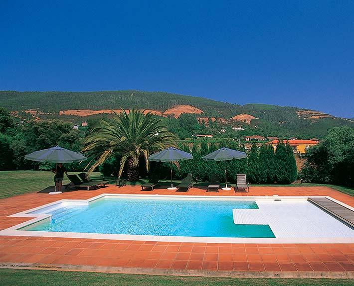 Malaga piscinas soleo for Piscina inacua malaga